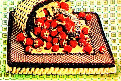 Торт Корзина с клубникой
